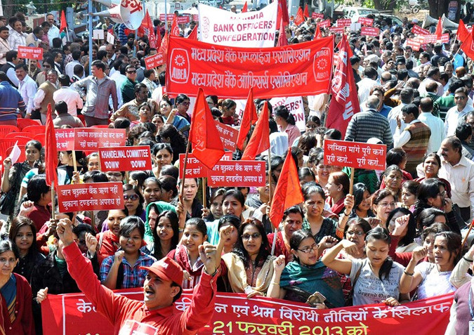 Энэтхэгийн 200 сая иргэн ажил хаялт зарлалаа
