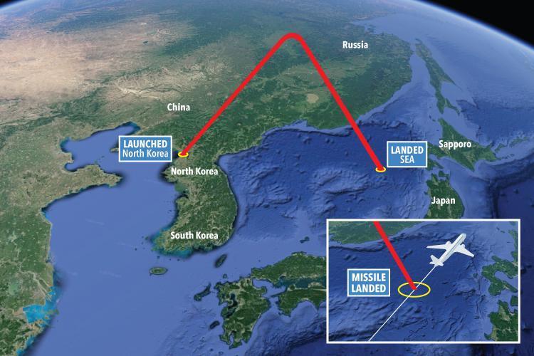 Хойд Солонгосын хөөргөсөн пуужин зорчигч тээврийн онгоцтой мөргөлдөх шахжээ