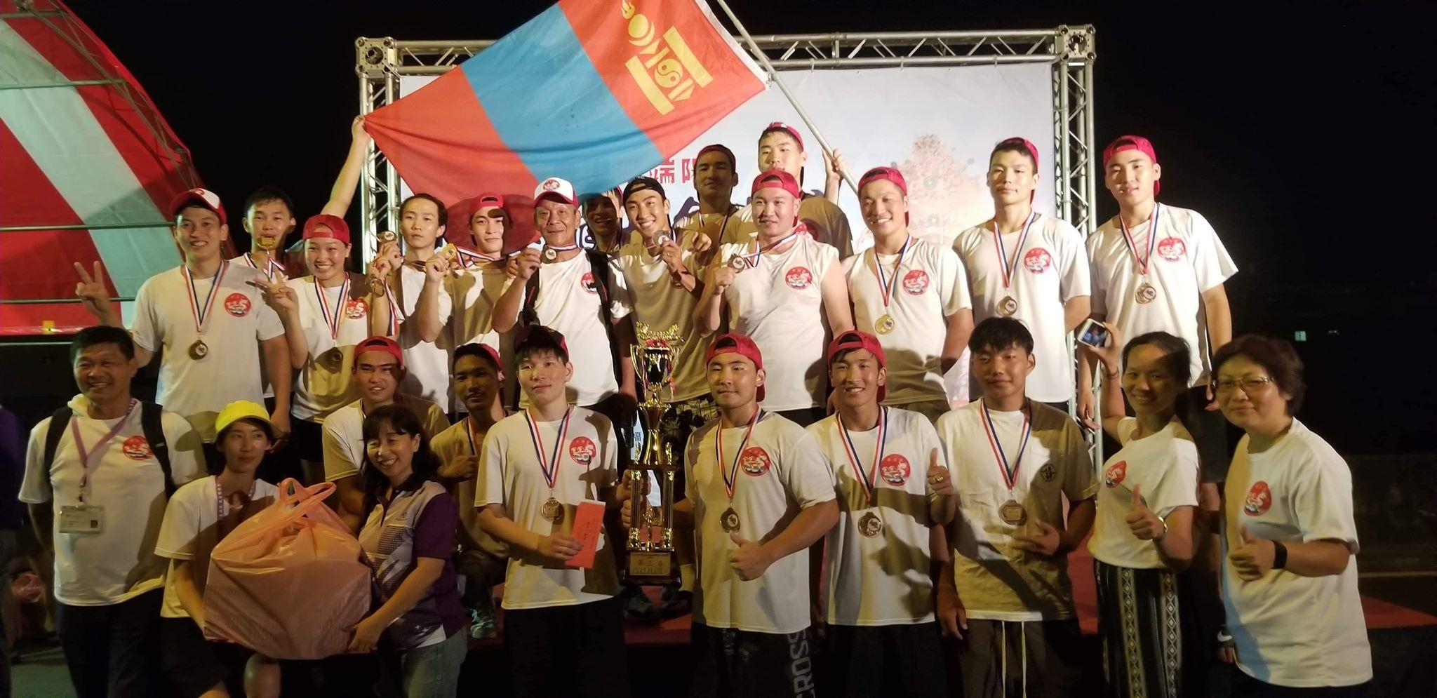 """Монгол оюутнууд Тайваний """"Луут завины баяр""""-ыг өнгөлөв"""