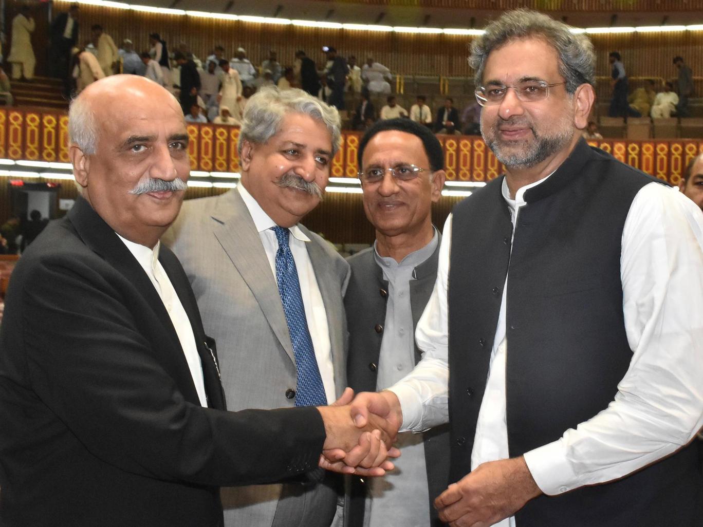 Пакистаны Ерөнхий сайдаар Шахид Хакан Аббасиг сонголоо